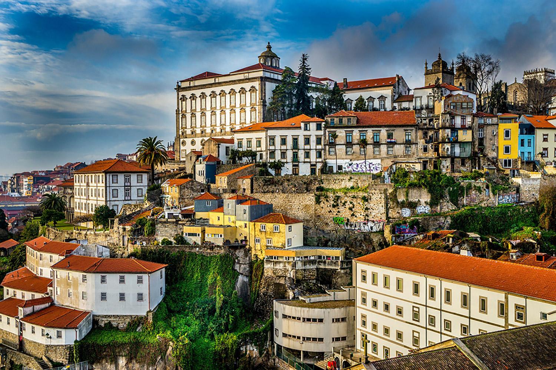 Le Portugal Eldorado Des Entreprises Francaises La Reserve